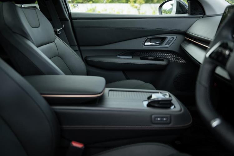 Nissan Ariya interior seats